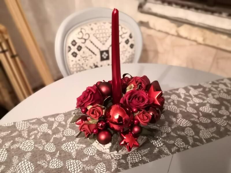 svíčková dekorace na stůl