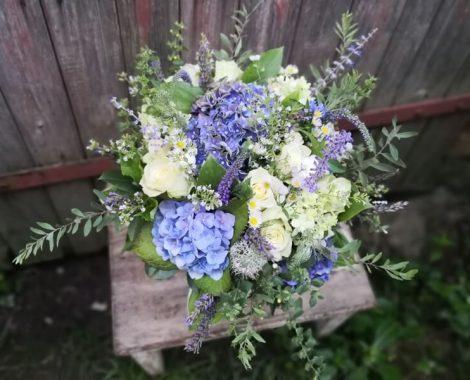 svatební kytice modrá hortenzie
